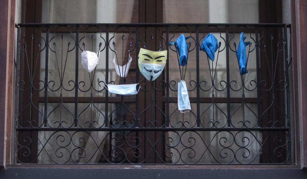 Αίρονται από τη Δευτέρα κάποια από τα περιοριστικά μέτρα σε Μαδρίτη και Καταλονία
