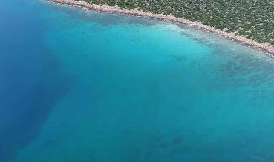 Η μοναδική «τροπική» παραλία της Αργολίδας (video)