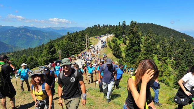 Λαμία: Πλήθος κόσμου στην πορεία αλληλεγγύης για τη διάσωση της Οίτης (εικόνες)