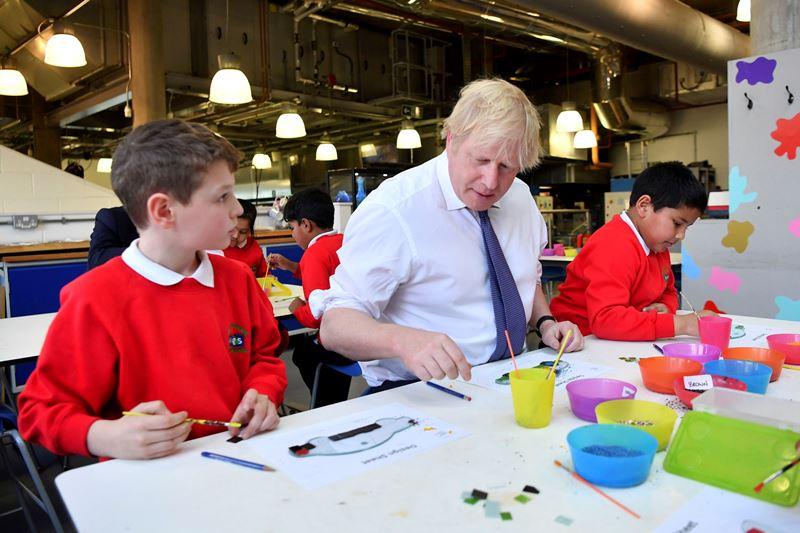 Βρετανία: Μερική επαναλειτουργία των σχολείων την 1η Ιουνίου, ανακοίνωσε ο Μπόρις Τζόνσον