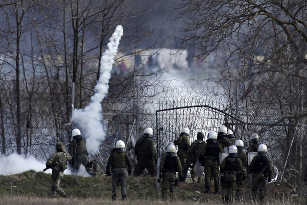 400 αστυνομικούς στον Έβρο στέλνει ο Χρυσοχοΐδης