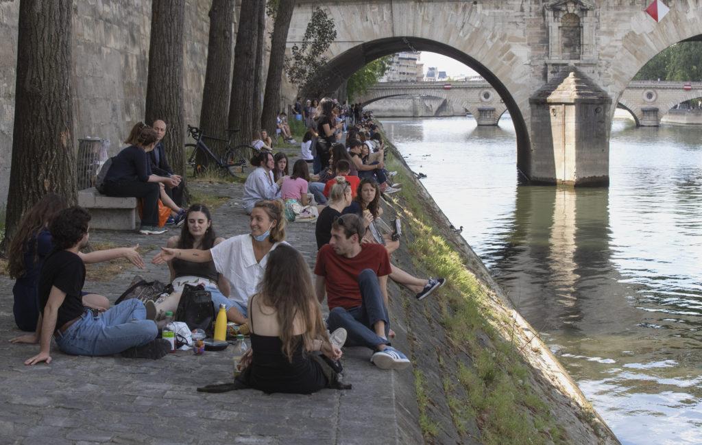 Γαλλία: Αναμένεται ύφεση πάνω από 8%