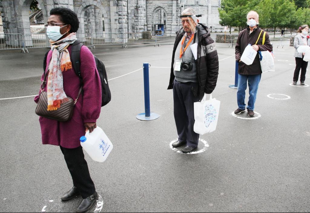 Γαλλία: Στους 28.596 οι νεκροί από τον κορονοϊό
