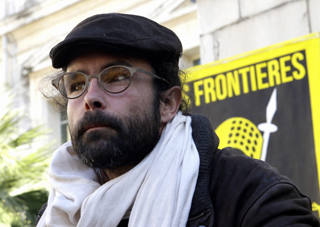 Γαλλία: Το Ανώτατο Δικαστήριο άσκησε έφεση κατά απαλλακτικής απόφασης ακτιβιστή που βοηθούσε μετανάστες