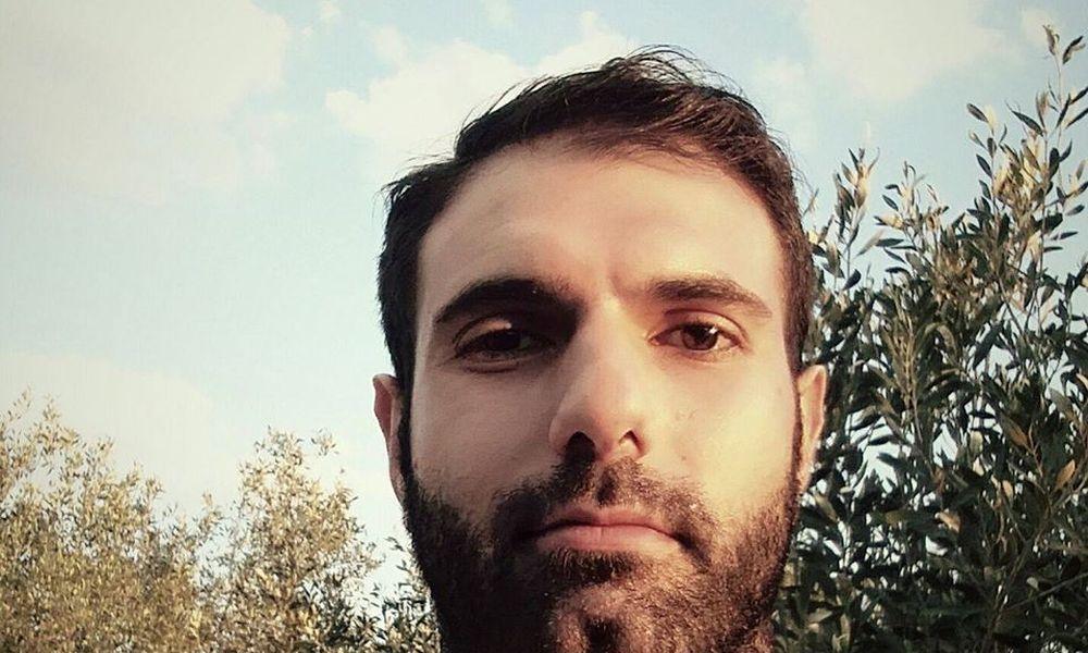 Και πάλι στο εδώλιο ο ηθοποιός Γιώργος Καρκάς για τον βιασμό του ταξιτζή – Έφεση άσκησε η εισαγγελέας