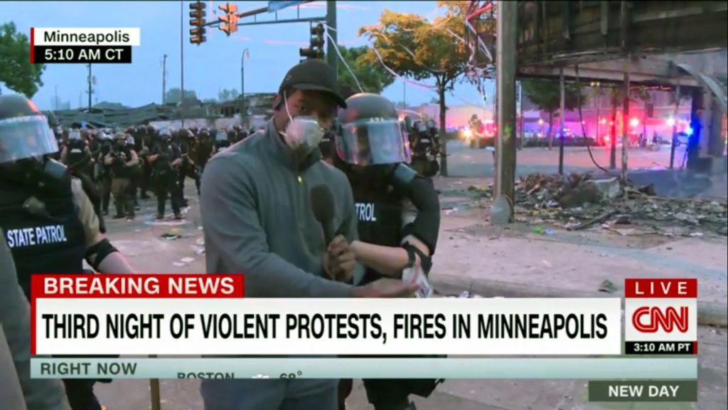 ΗΠΑ-Μινεσότα: Σύλληψη «ζωντανά» δημοσιογράφου του CNN που κάλυπτε τις διαδηλώσεις (Video)