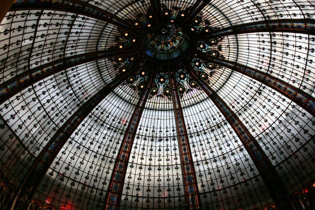 Το πολυκατάστημα των Galeries Lafayette στο Παρίσι επαναλειτουργεί από το Σάββατο