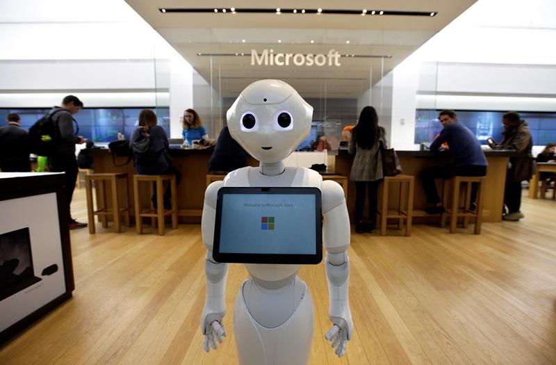 Εφιάλτης: Η Microsoft θα αντικαταστήσει τους δημοσιογράφους με ρομπότ