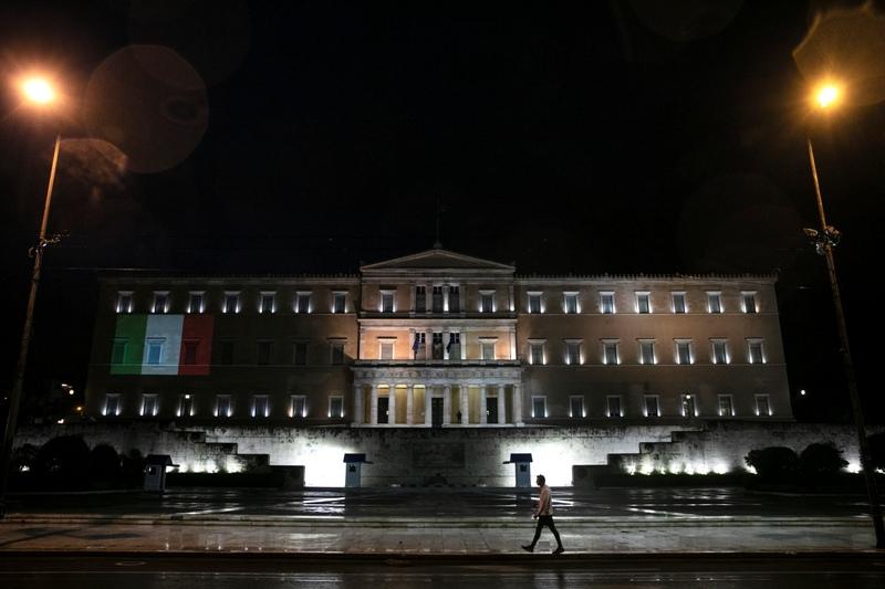 Ιταλικά ΜΜΕ: Ο κορονοϊός έφερε πιο κοντά Ιταλία και Ελλάδα