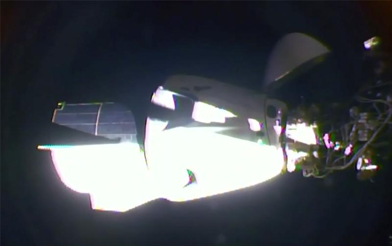 Το Crew Dragon της SpaceX προσδέθηκε στον Διεθνή Διαστημικό Σταθμό