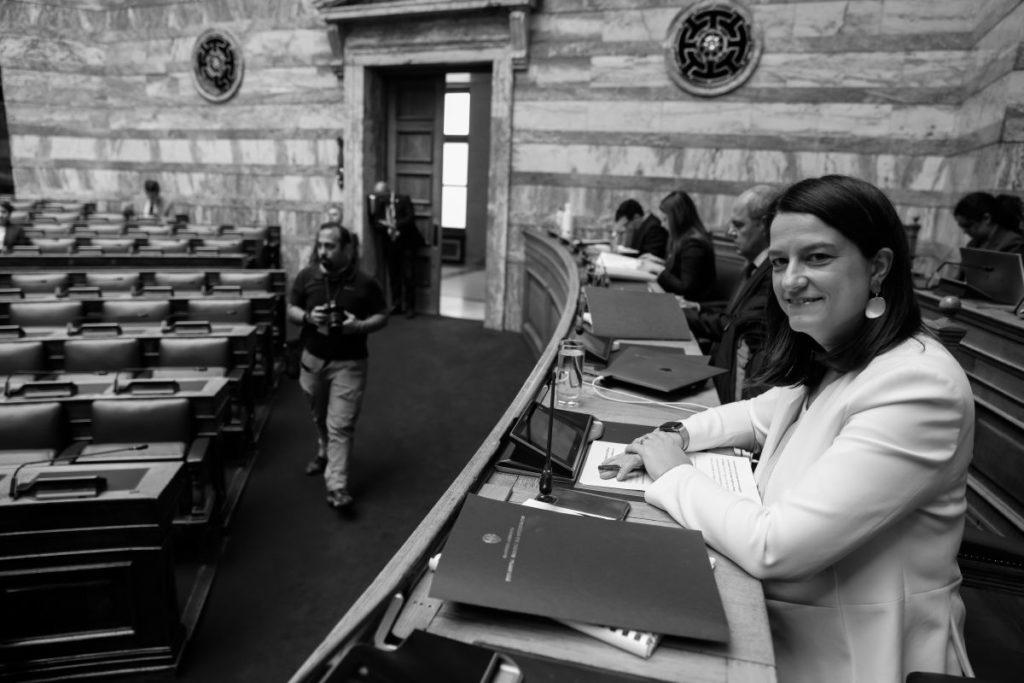 Βουλή: Πυρ ομαδόν από την αντιπολίτευση ενάντια στο πολυνομοσχέδιο της Κεραμέως
