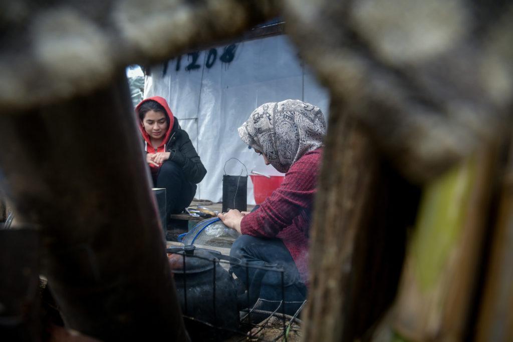 Το Μαξίμου δίνει… ακροδεξιά διαπιστευτήρια με το προσφυγικό