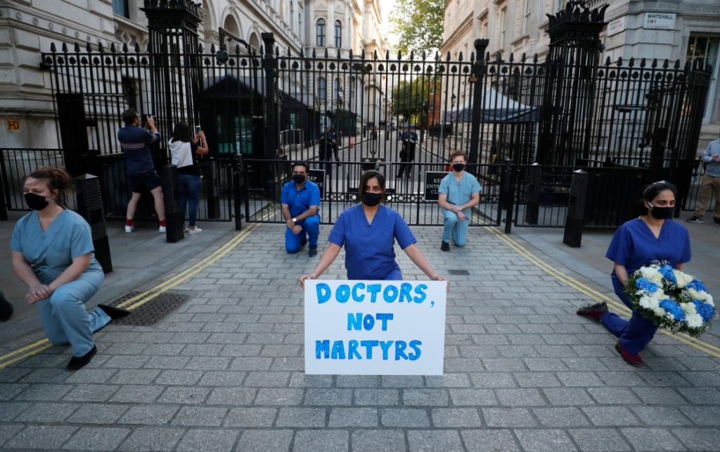 Βρετανία: 111 θάνατοι μέσα σε 24 ώρες – Ο μικρότερος αριθμός θανάτων από τον Μάρτιο