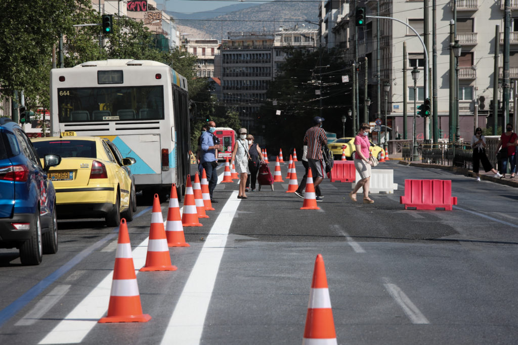 «Μεγάλος περίπατος», μικρή «κόλαση» για τους οδηγούς στην Αθήνα (Video)
