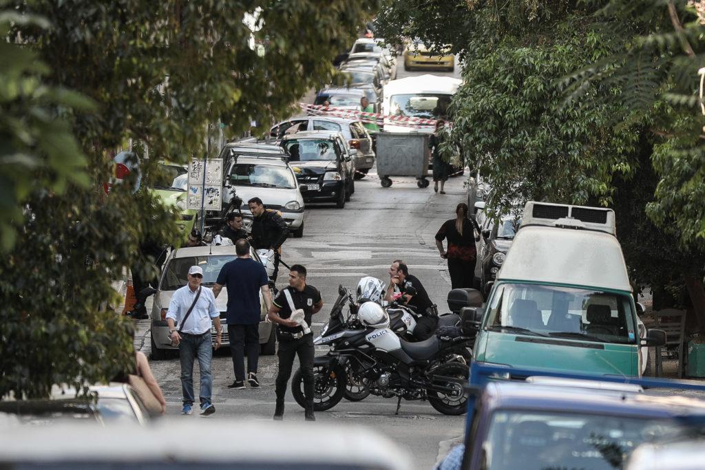 Εισβολή της ΕΛΑΣ σε δύο καταλήψεις στη Δερβενίων στα Εξάρχεια
