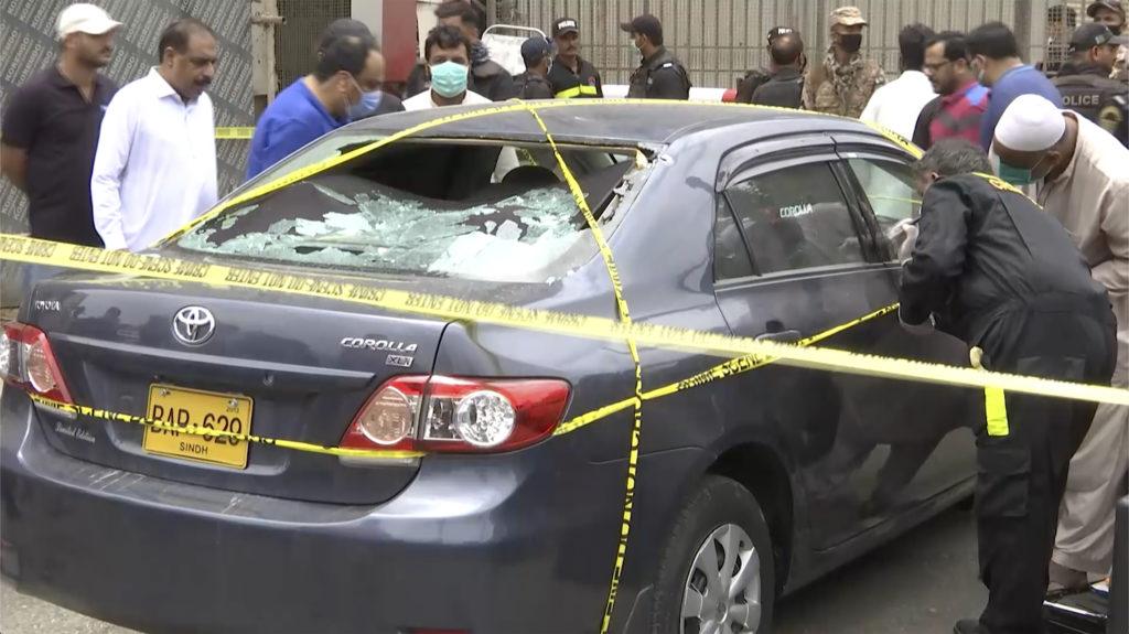 Μακελειό στο Πακιστάν: Τουλάχιστον έξι νεκροί από την ένοπλη επίθεση στο Χρηματιστήριο του Καράτσι (Photos – Video)