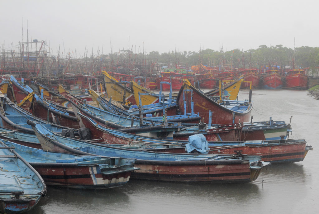 Μπανγκλαντές: Τουλάχιστον 30 νεκροί από το ναυάγιο πορθμείου στην Ντάκα
