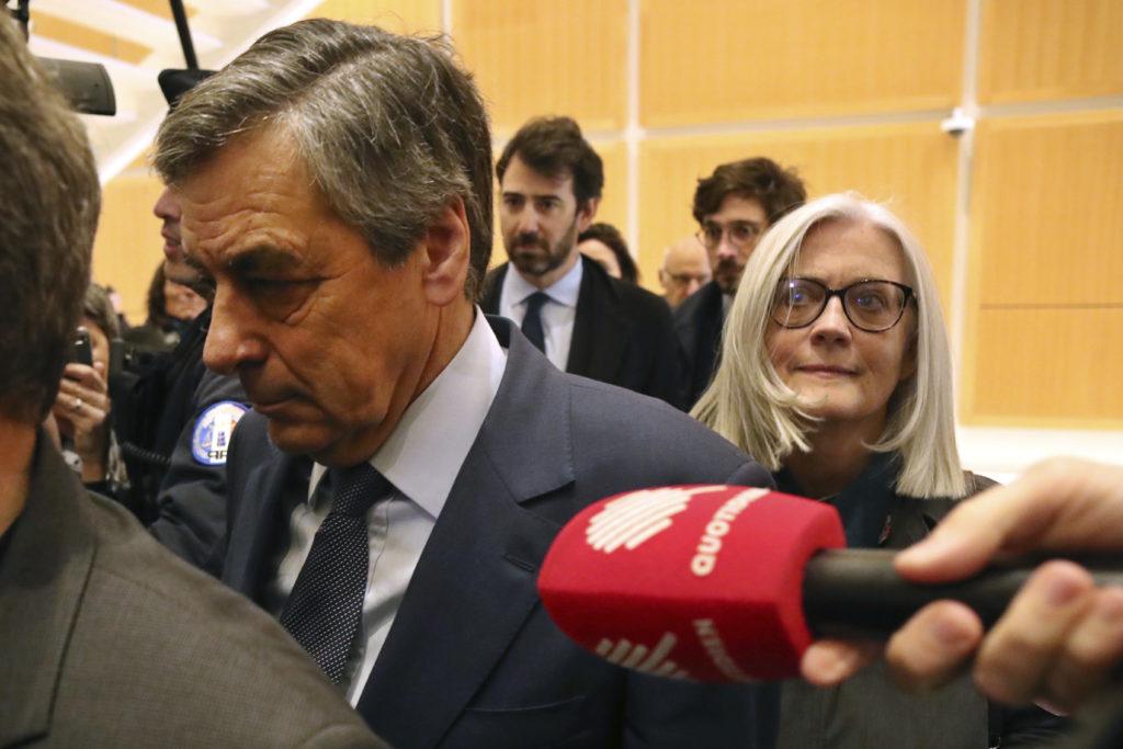 Γαλλία: 5 χρόνια φυλάκιση στον πρώην πρωθυπουργό Φρανσουά Φιγιόν