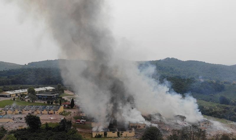Τουρκία: Τουλάχιστον 4 οι νεκροί και σχεδόν 100 οι τραυματίες από την έκρηξη στο εργοστάσιο πυροτεχνημάτων (video)