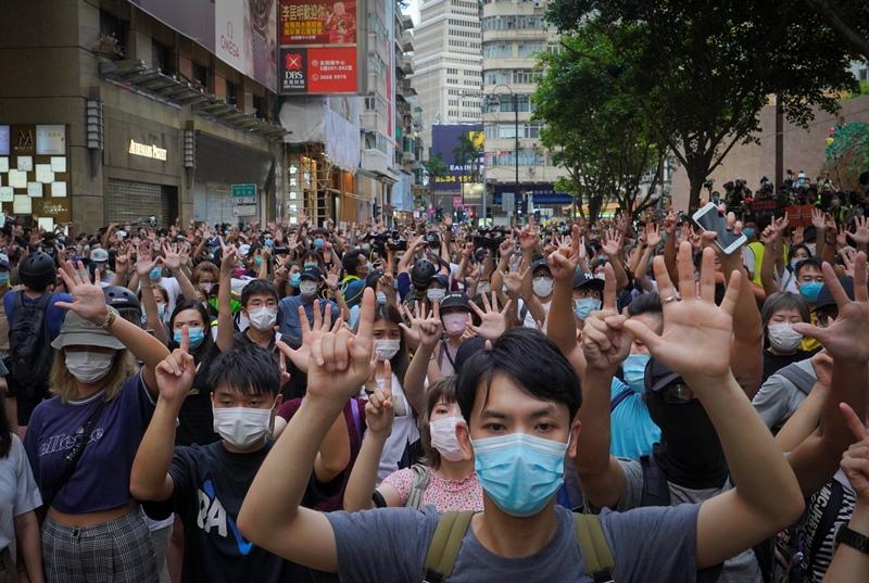 Χονγκ Κονγκ: «Εξαφανίστηκαν» τα βιβλία ακτιβιστών από τις δημόσιες βιβλιοθήκες