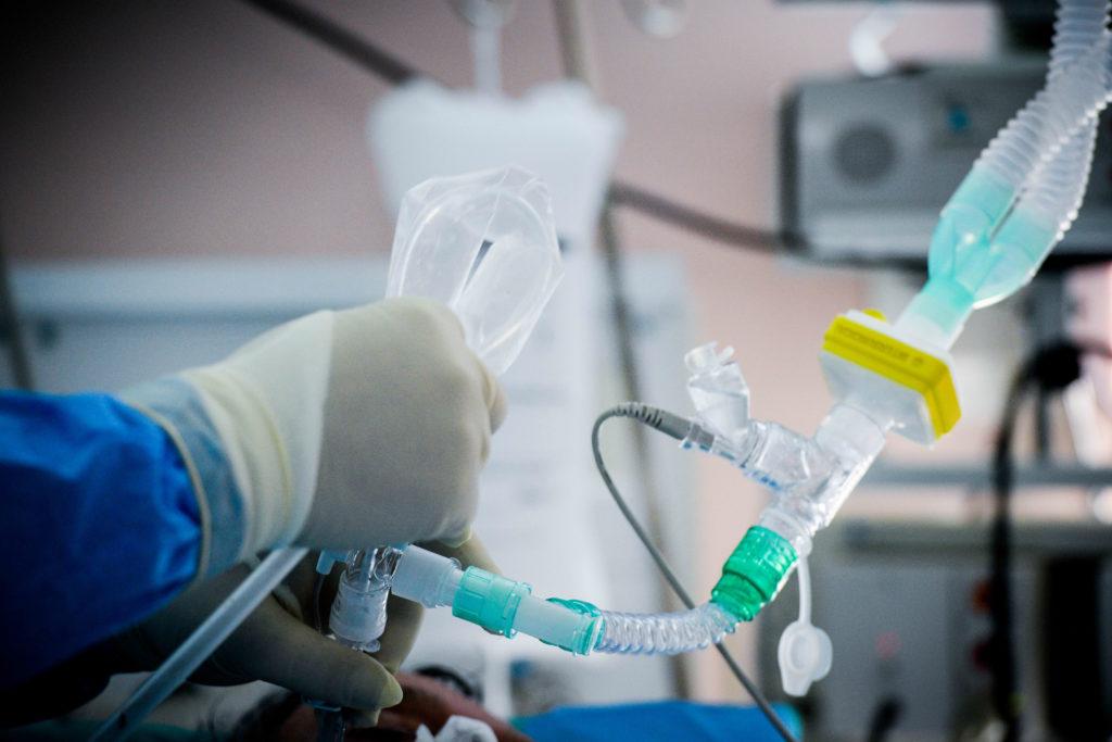 Νοσηλεύτρια του Δρομοκαΐτειου θετική στον κορoνοϊό – Εργαζόταν σε ξενώνα με δεκάδες ασθενείς