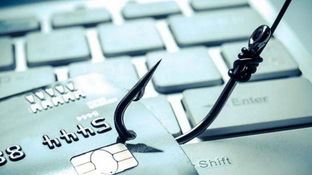 Αυξάνονται τα κρούσματα ηλεκτρονικής απάτης – Οι νέες μορφές και τι να προσέχουν οι καταναλωτές