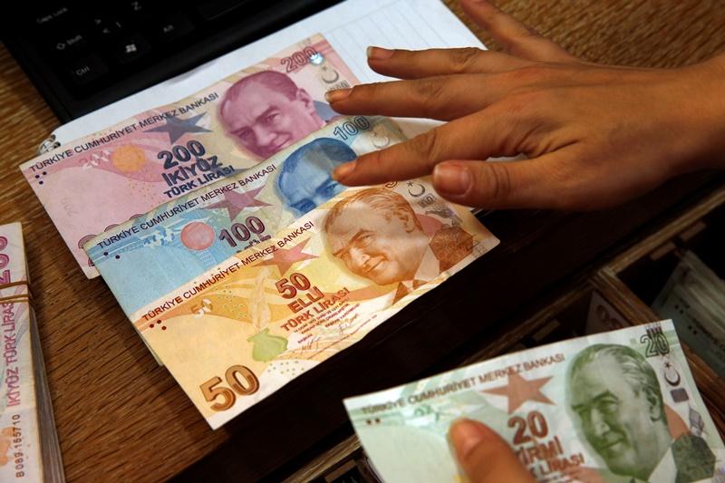 Μαύρα μαντάτα οίκου Fitch για την τουρκική οικονομία