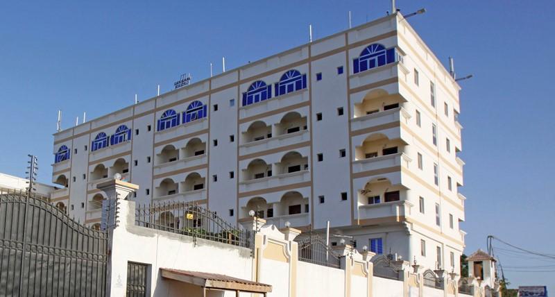 Σομαλία: Έκρηξη σε ξενοδοχείο στο Μογκαντίσου – Τουλάχιστον 5 νεκροί, δεκάδες τραυματίες