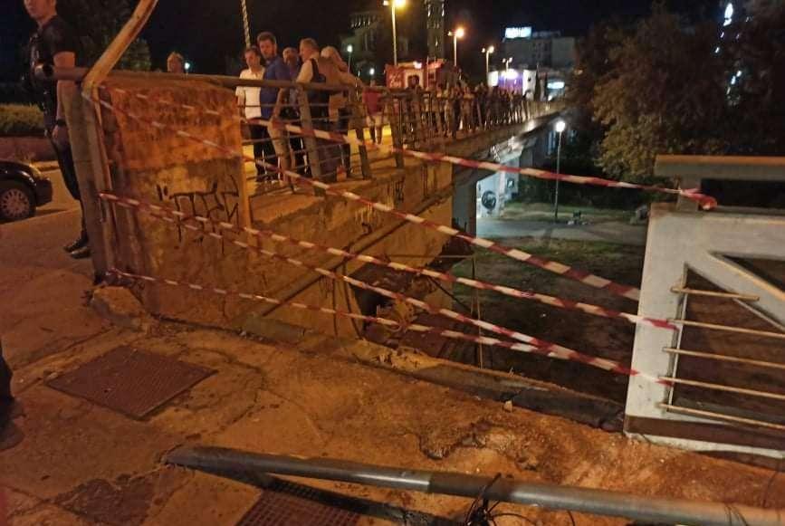 Λάρισα-Απίστευτο τροχαίο: Εμπλεκόμενο όχημα χτύπησε και έριξε δύο ανήλικους πεζούς κάτω από γέφυρα (Photos+Video)