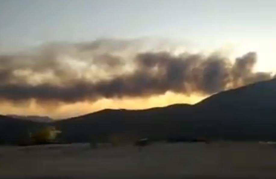 Κεφαλονιά: Φωτιά κατακαίει ΧΥΤΑ, ανυπόφορες οσμές σε όλο το νησί (Video)