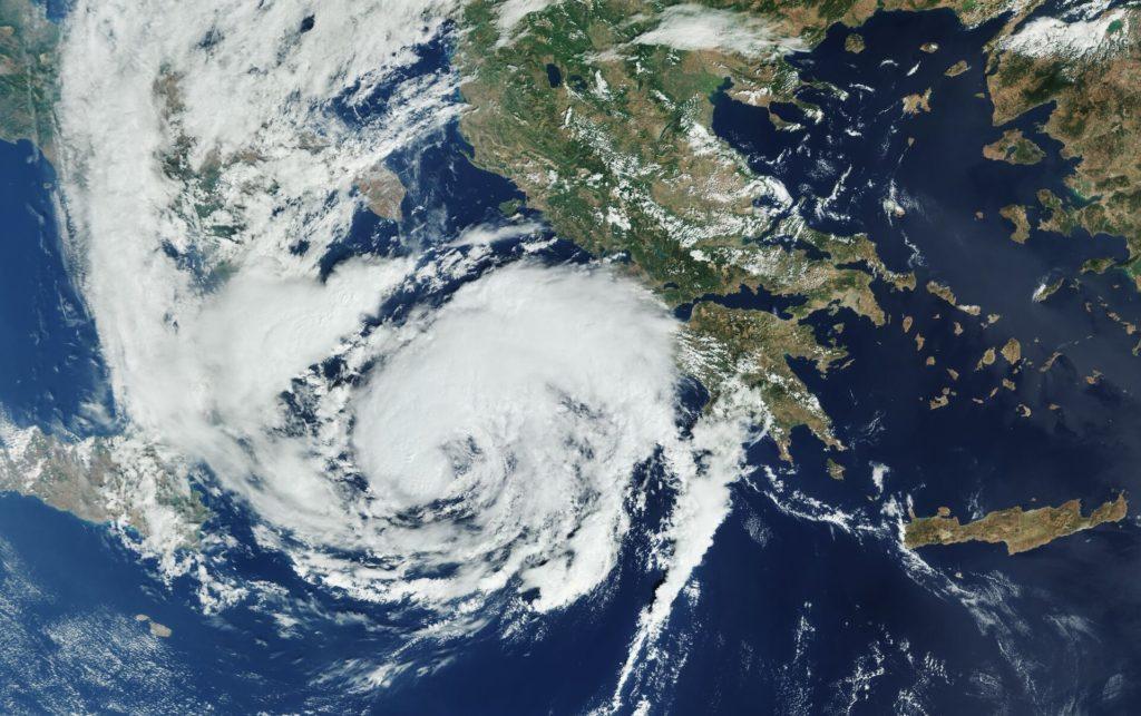 Εντυπωσιακή φωτογραφία του «Ιανού» από τον δορυφόρο Copernicus Sentinel-3 – Ο καιρός το Σάββατο