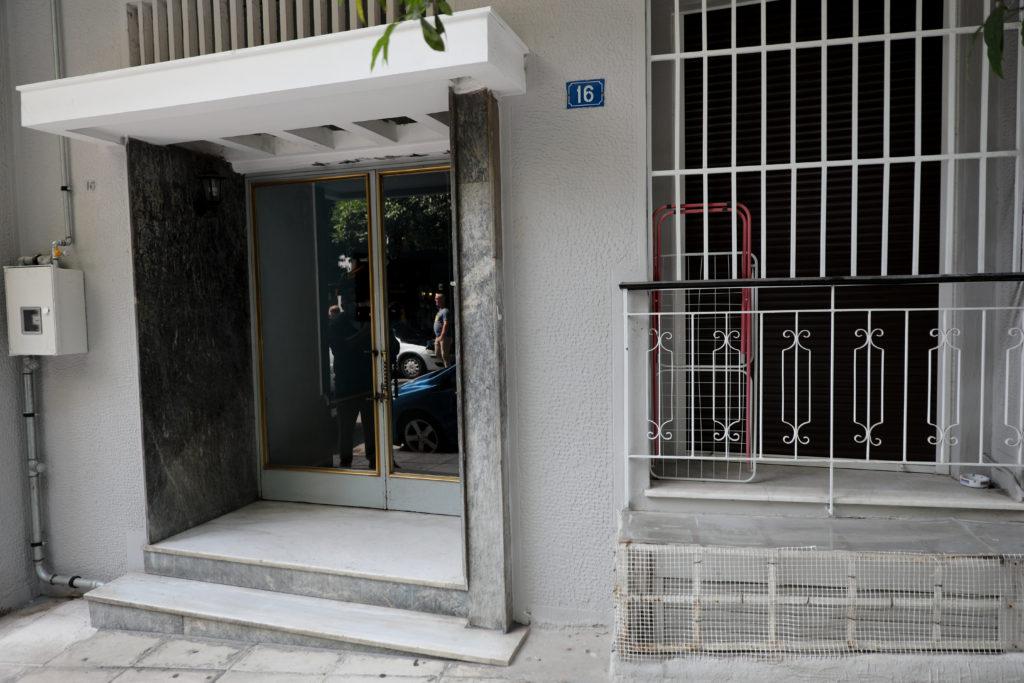 «Καθαρά» τα δύο πιστόλια που βρήκε η Αντιτρομοκρατική στη γιάφκα στο Κουκάκι