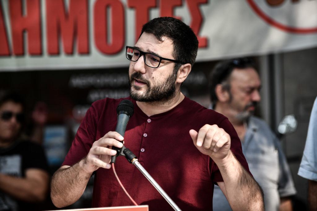 Ηλιόπουλος: Λίγο πριν την απόφαση για την Χ.Α. ο κ. Πέτσας επαναφέρει την ανιστόρητη θεωρία των δύο άκρων
