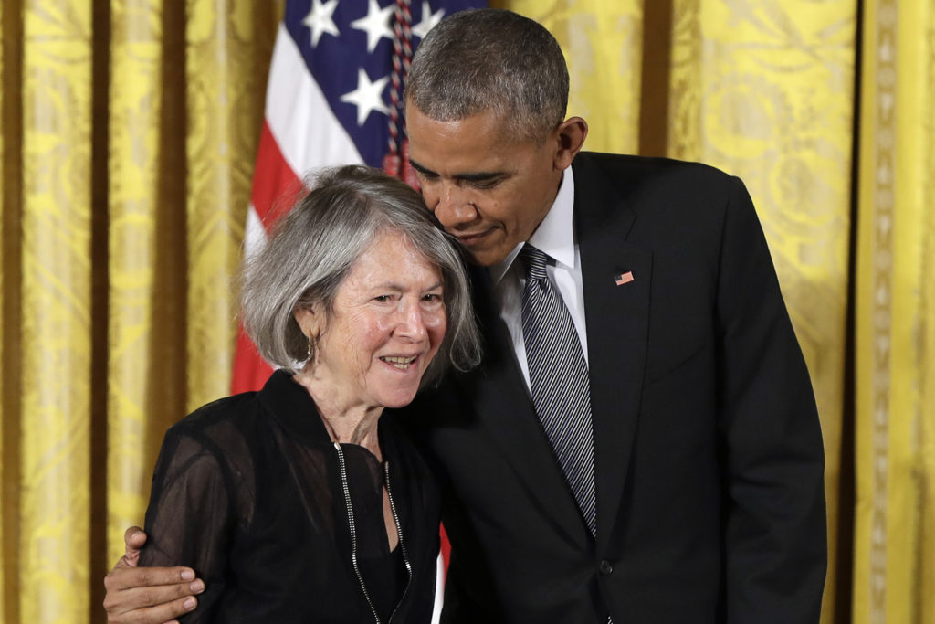 Ποια είναι η Λουίζ Γκλουκ που τιμήθηκε με το Νόμπελ Λογοτεχνίας