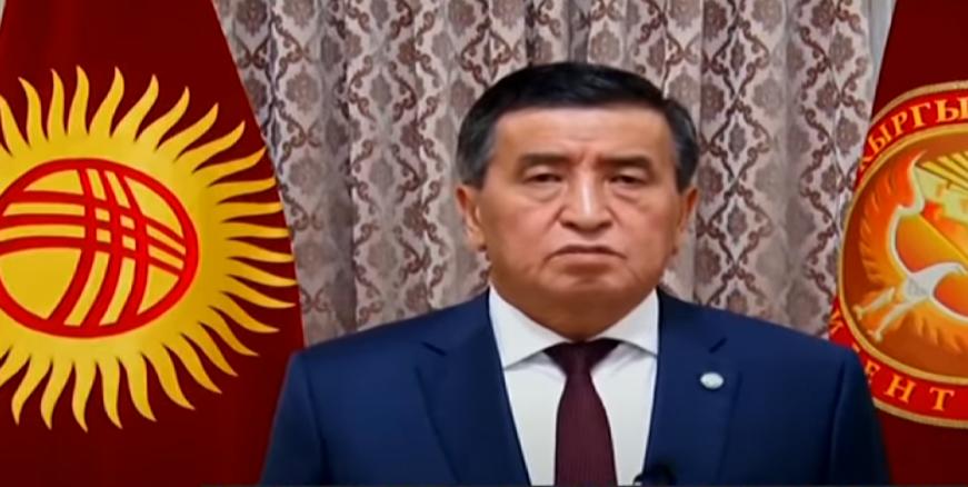 Kιργιστάν: Άνω – κάτω η χώρα και τα τανκς στις δρόμους