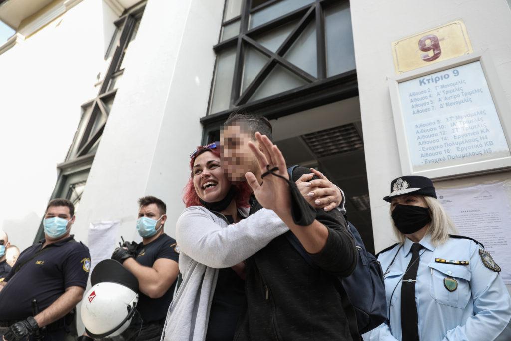 Ελεύθερος ο 14χρονος και οι υπόλοιποι μαθητές που κρατούνταν στη ΓΑΔΑ (Photos)