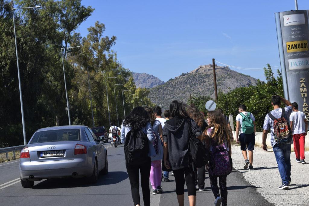 ΚΤΕΛ Αττικής: Στον «αέρα» η μαθητική έκπτωση 50% – Σφοδρές αντιδράσεις