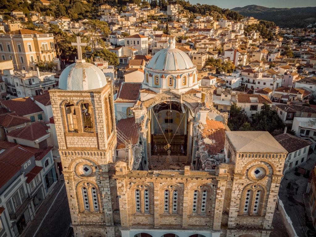 Σάμος: Βίντεο από ψηλά δείχνει το μέγεθος των καταστροφών στον ναό Κοιμήσεως της Θεοτόκου