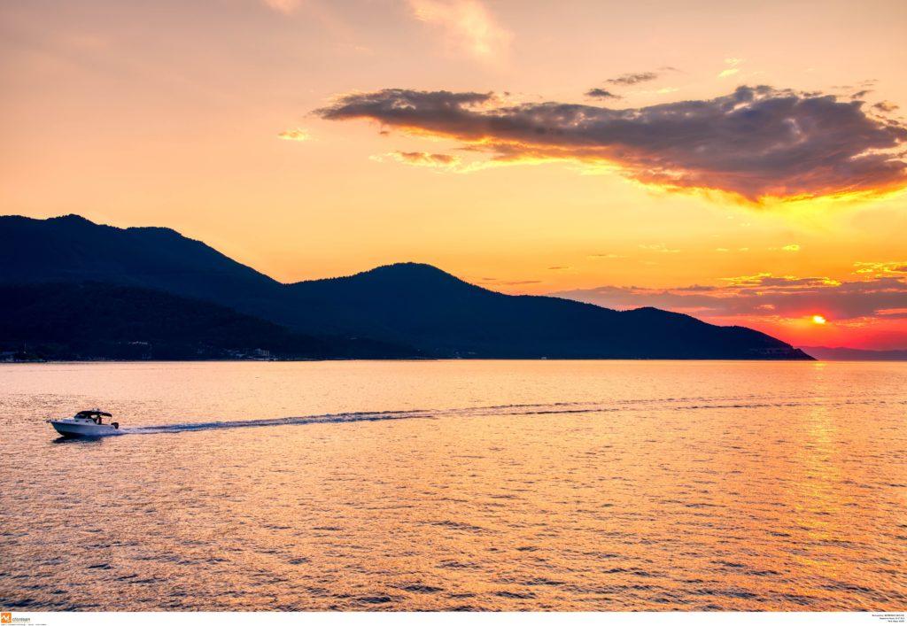 Κορονοϊός: Ένα ακόμα ελληνικό νησί χωρίς κρούσμα – Τι ζητάει ο ιατρικός σύλλογος