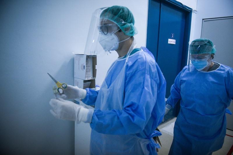 Ίλιγγος: 2.556 νέα κρούσματα 207 διασωληνωμένοι και 34 νέοι θάνατοι