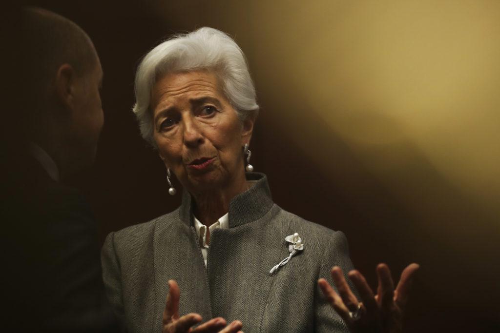 Λαγκάρντ: Αύξηση του έκτακτου προγράμματος αγορών ομολόγων, καθώς και των δανείων προς τις τράπεζες