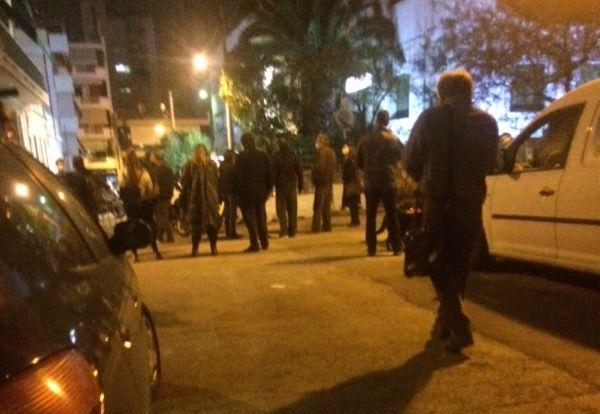 Πογκρόμ στα Σεπόλια: Ξυλοκόπησαν διαδηλωτή και την οικογένειά του – Στο νοσοκομείο φρουρούμενος με έμφραγμα ο πατέρας (Photos – Video)