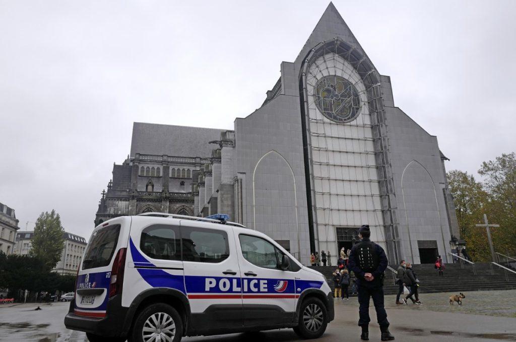 Γαλλία: Διάταξη απαγορεύει τη φωτογράφιση αστυνομικών εν ώρα υπηρεσίας