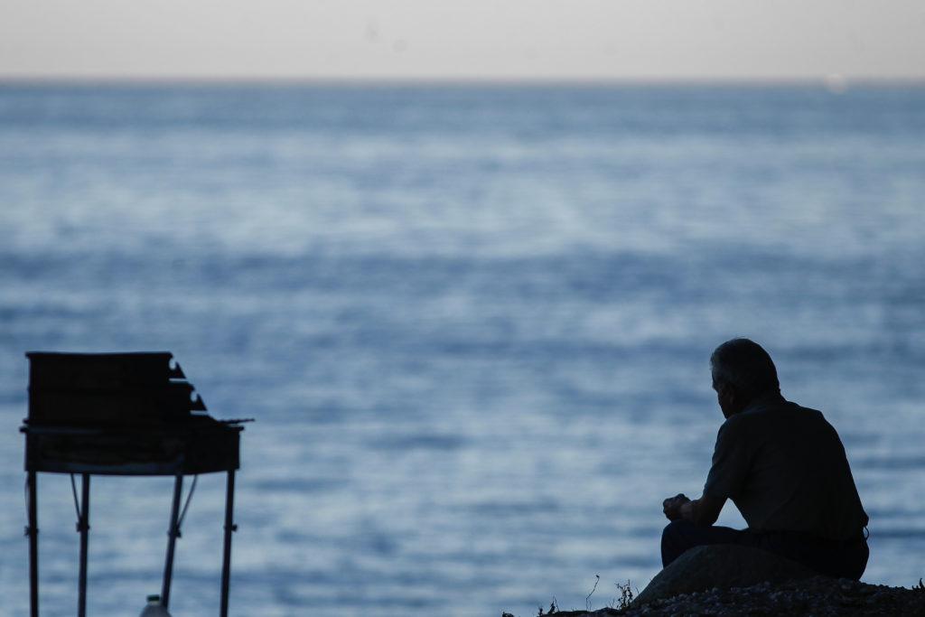 Η πανδημία αύξησε τα επίπεδα στρες, μοναξιάς και θυμού στην Ελλάδα – Τριπλάσια αύξηση σε σχέση με άλλες χώρες