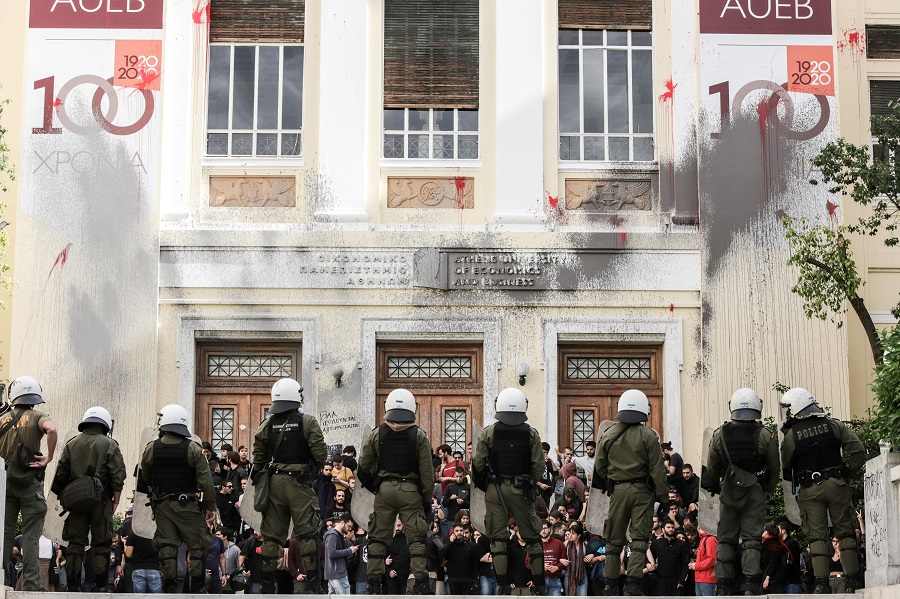 Η ΝΔ ζήλευσε τις πρακτικές της προδικτατορικής ΕΡΕ