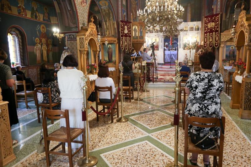 Άνοιξαν οι εκκλησίες για τους πιστούς – υπό όρους οι λειτουργίες