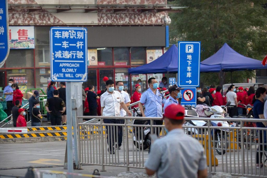Κίνα: Τέσσερα χρόνια φυλακή σε ερασιτέχνη δημοσιογράφο που κάλυψε την καραντίνα στη Γουχάν