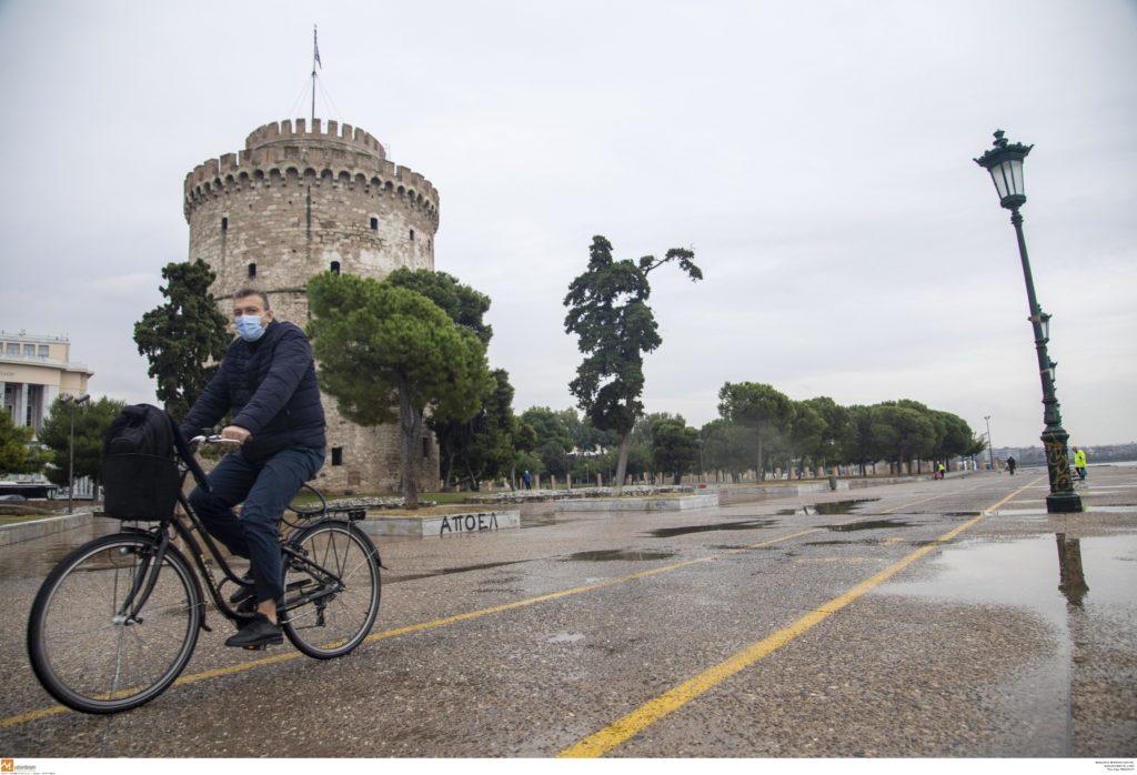 Σαρηγιάννης για Θεσσαλονίκη: Μοντέλο δείχνει νέα άνοδο κρουσμάτων μέσα στις γιορτές