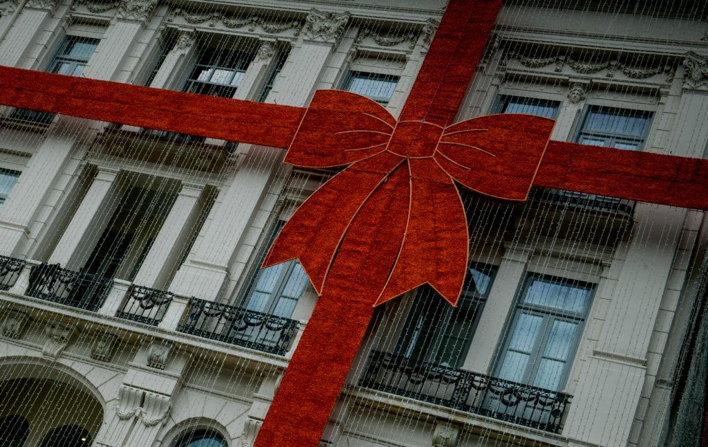 Χρήσιμες συμβουλές για τις ταχυδρομικές υπηρεσίες εν όψει των Χριστουγέννων