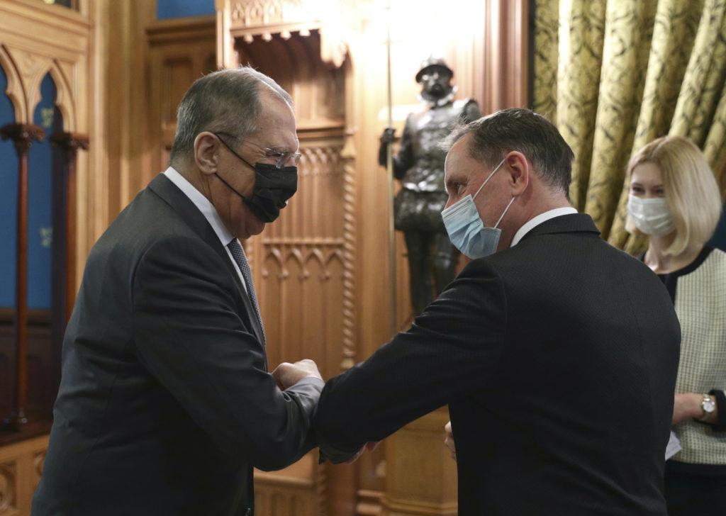 Ρωσία: Ο Λαβρόφ δέχθηκε τους Γερμανούς ακροδεξιούς παρά τις αντιρρήσεις του Βερολίνου